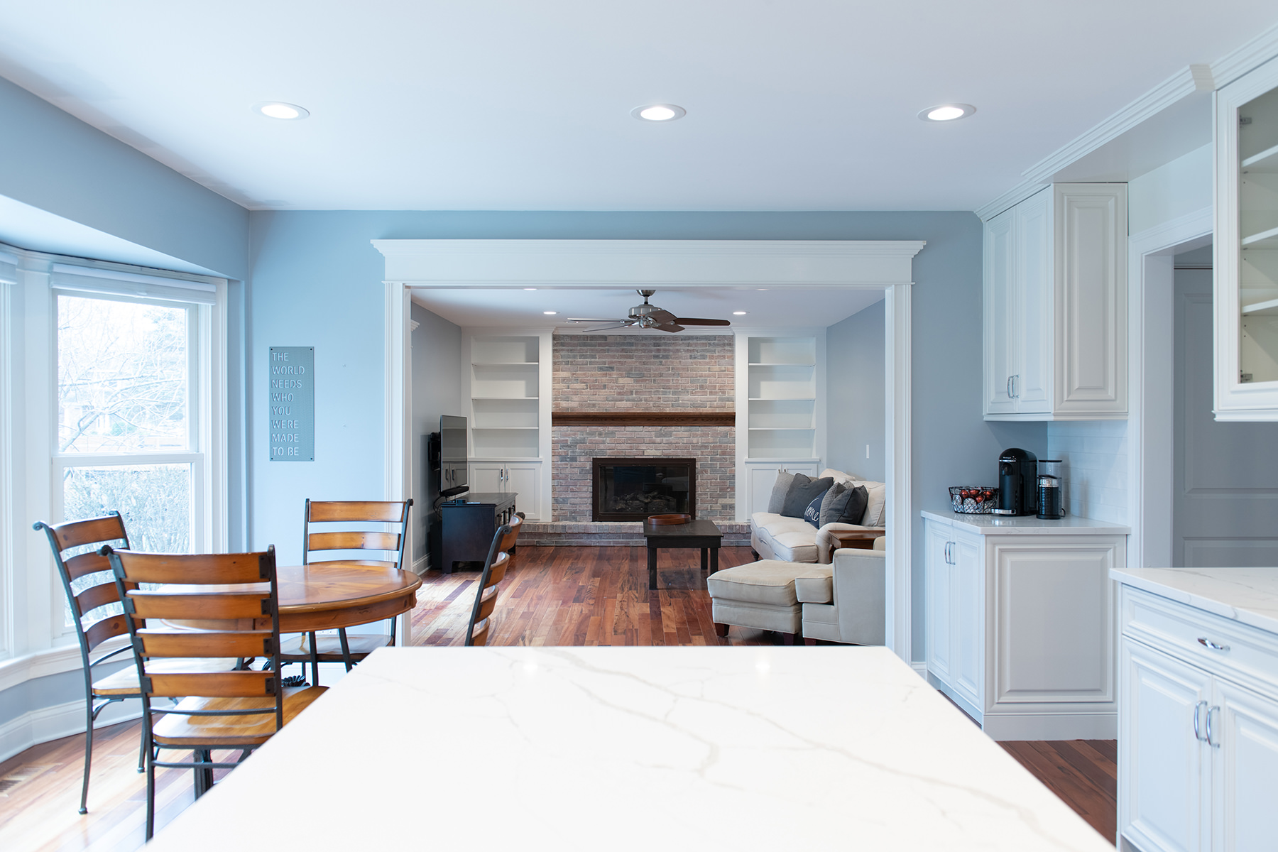 Living room and kitchen remodel in Libertyville, Illinois