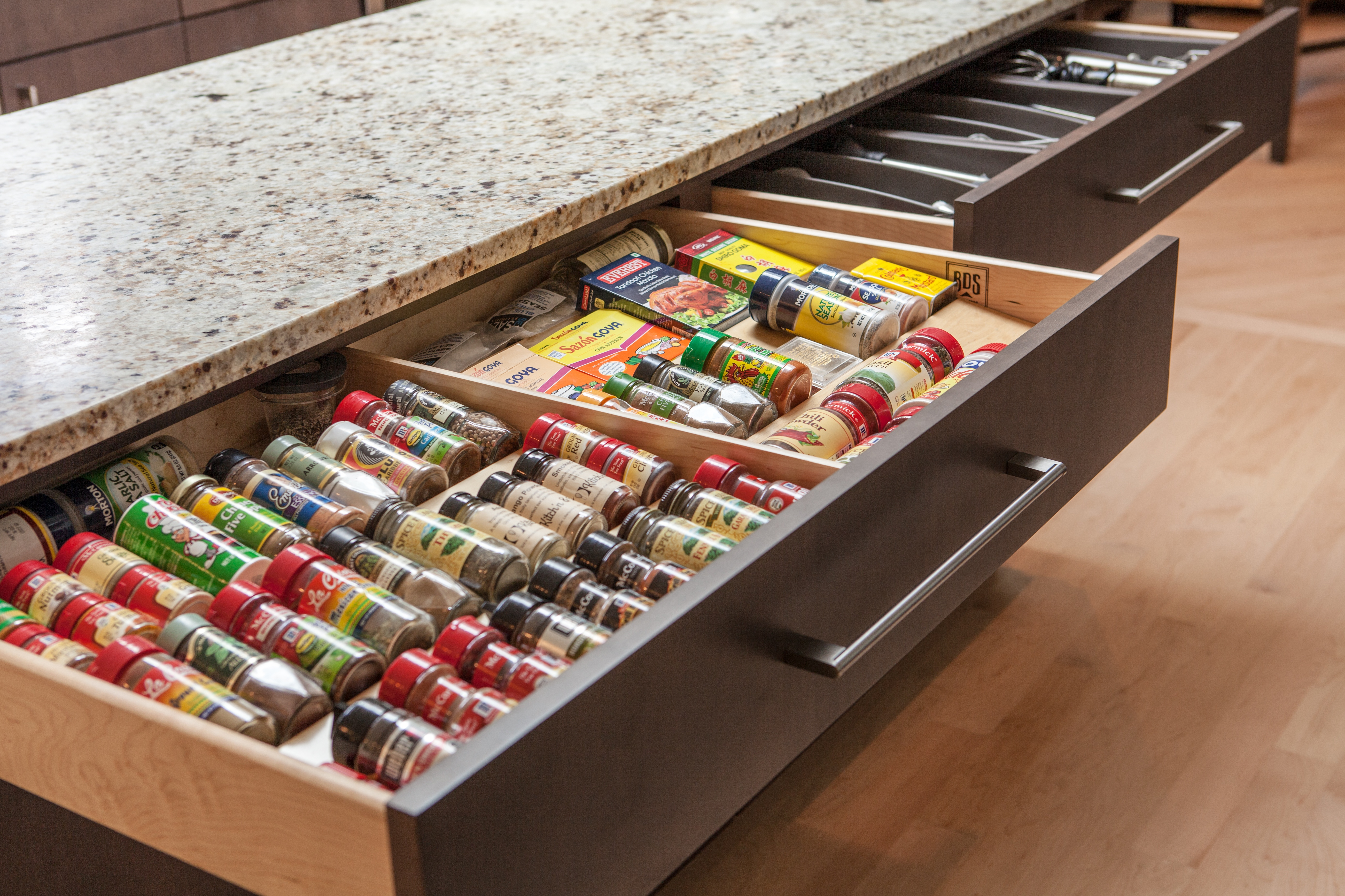 Spacious spice drawers